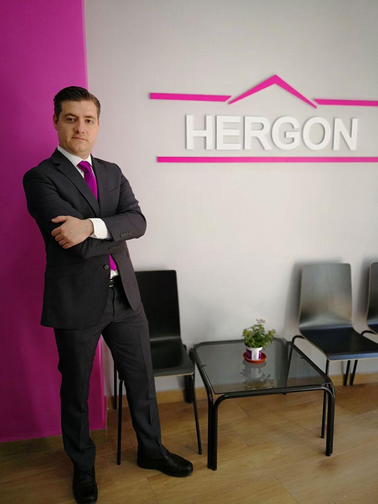 Jonathan Gonzalez, responsable de Hergon Consulting Inmobiliario, tu inmobiliaria en Getafe